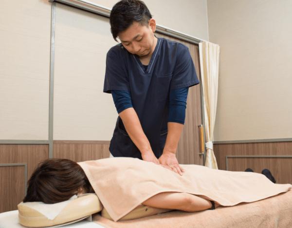 東大阪たなごころ鍼灸整骨院の交通事故での腰痛や椎間板ヘルニア治療について
