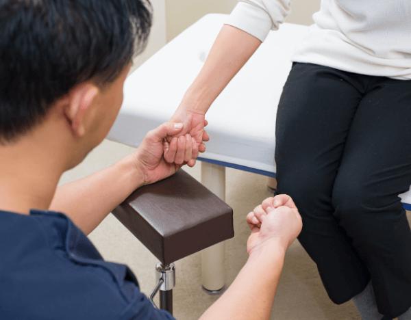 東大阪たなごころ鍼灸整骨院の交通事故の骨折・脱臼・捻挫・打撲・挫傷の治療について